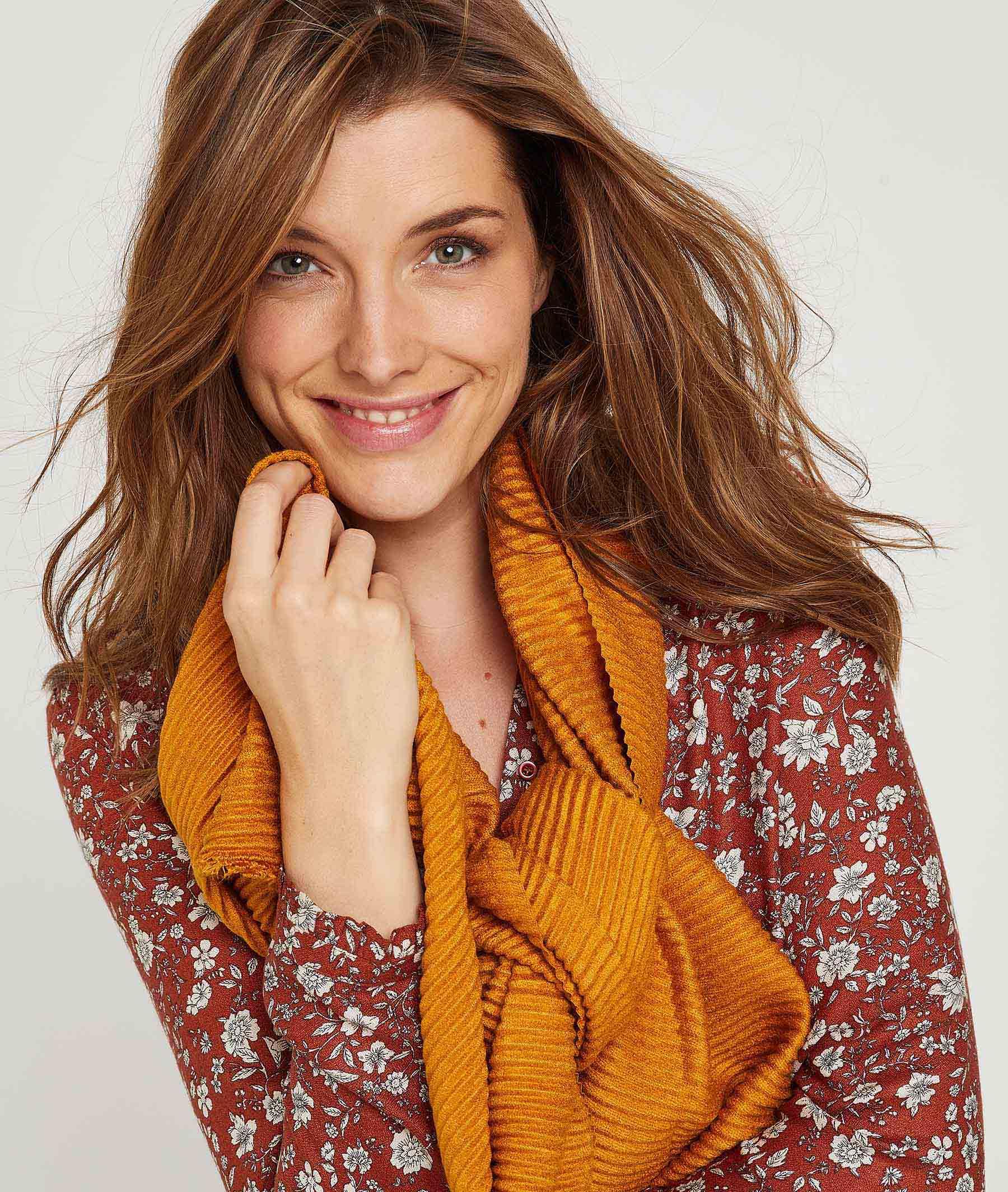 Foulard plissé effet velours femme JAUNE