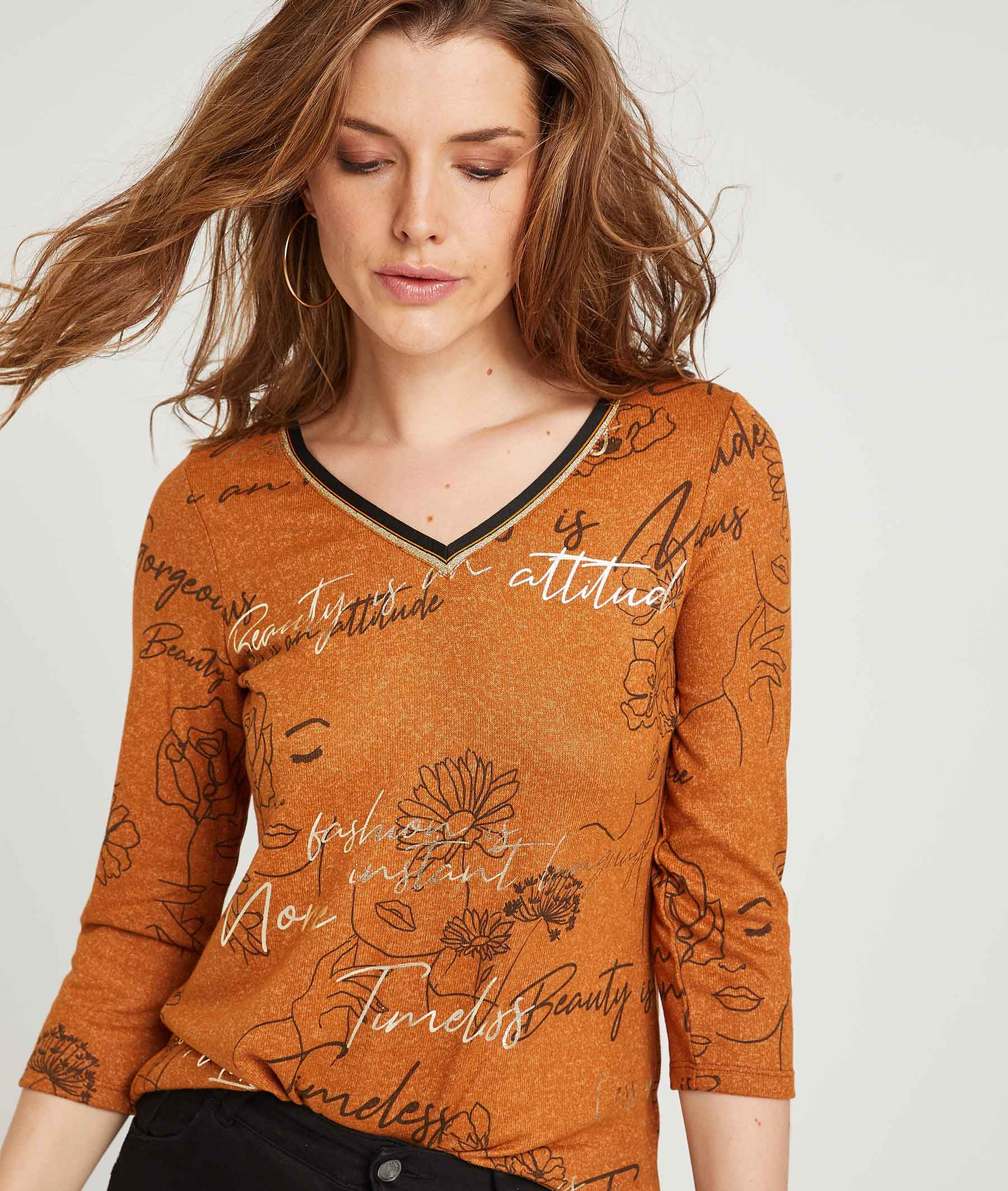 T-shirt avec dessins et textes CARAMEL