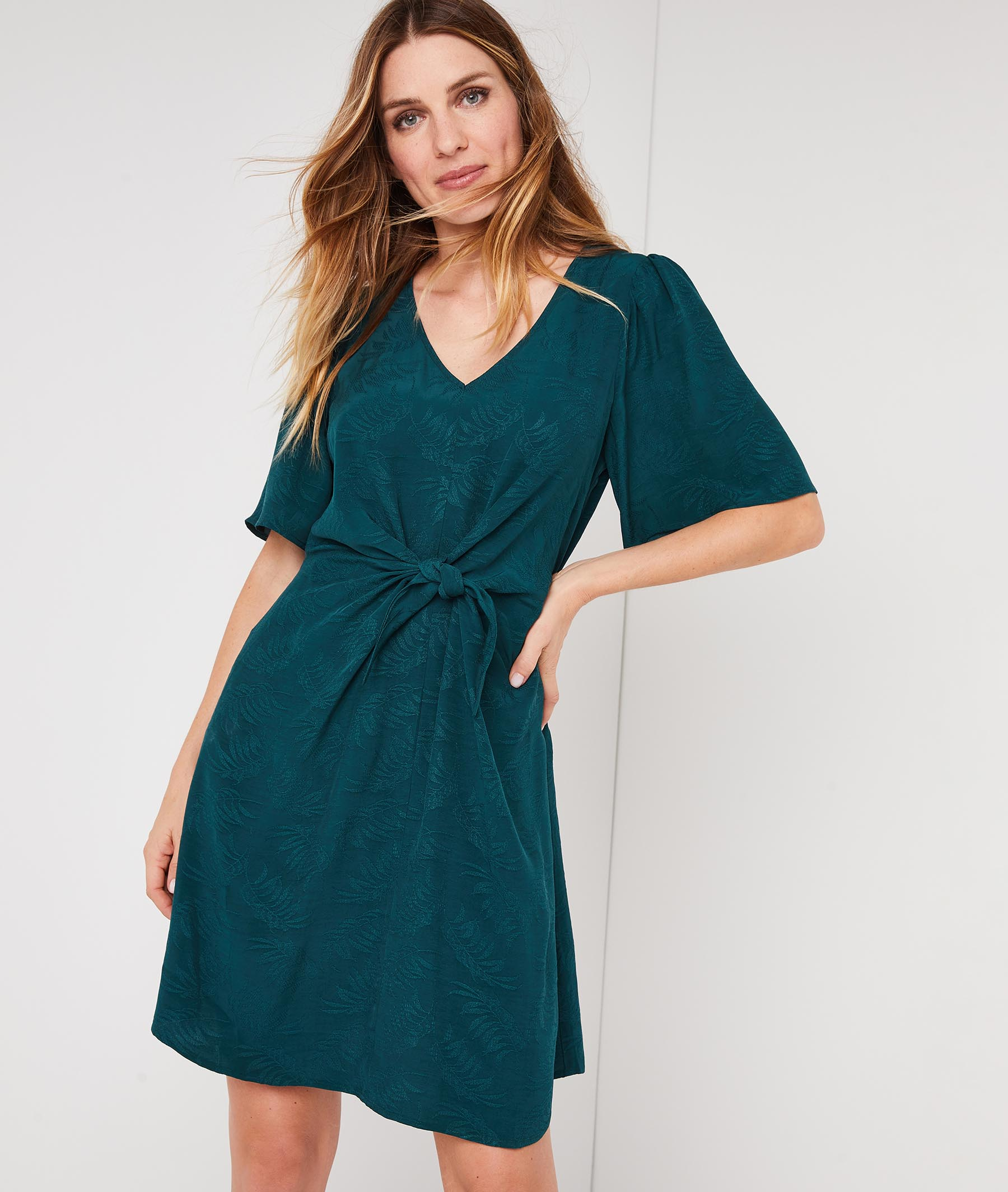Robe verte unie avec noeud à la taille VERT