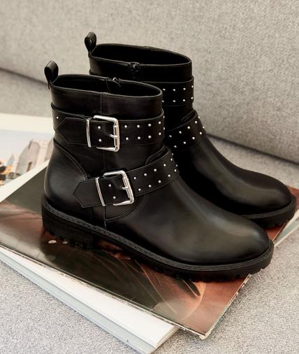 Boots noires cloutées femme NOIR