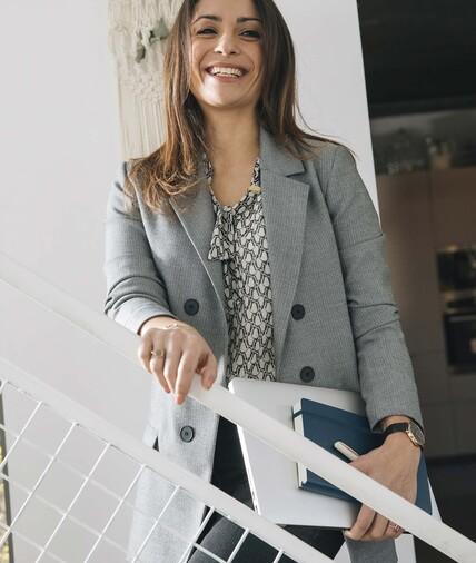 Veste de tailleur grise boutonnée femme GRIS