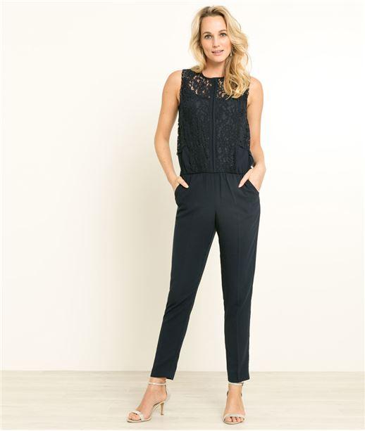femme bien habille trendy la griffe hartford toujours pour ce grand tnbreux la tenue bien. Black Bedroom Furniture Sets. Home Design Ideas