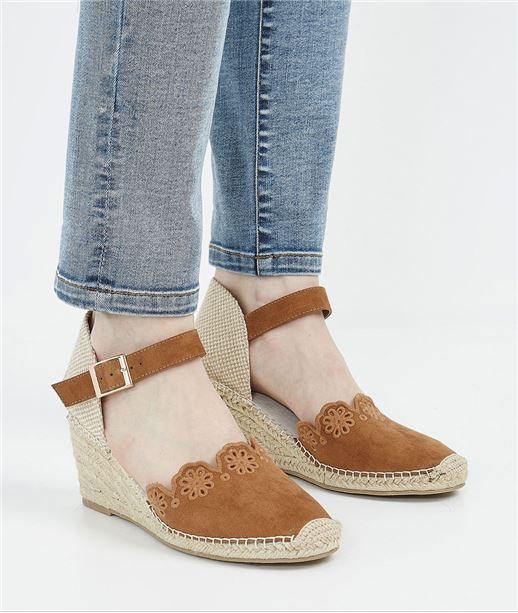 Chaussures femme compensées et brodées CAMEL